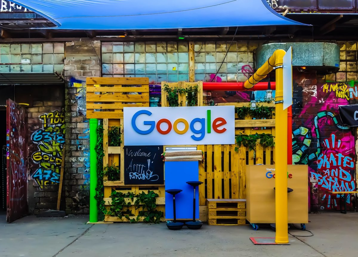 Google logo market